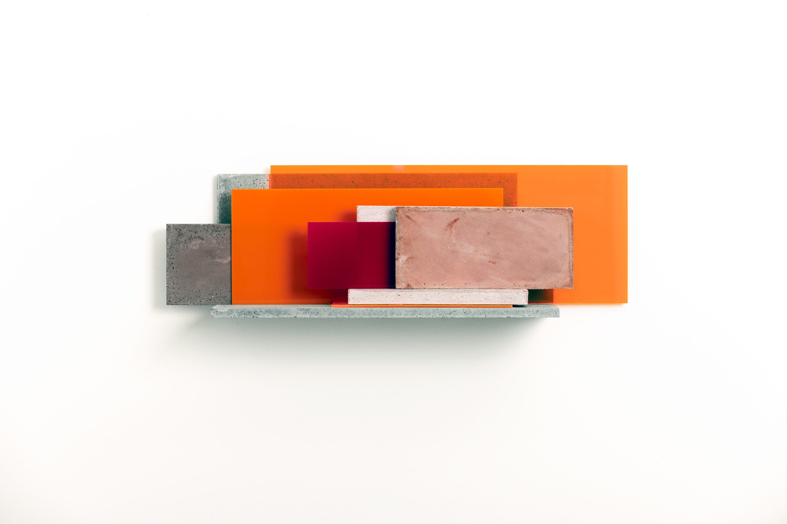 Addition XIII | 2017 | Beton, Acrylglas | 63  x 25 x 18 cm
