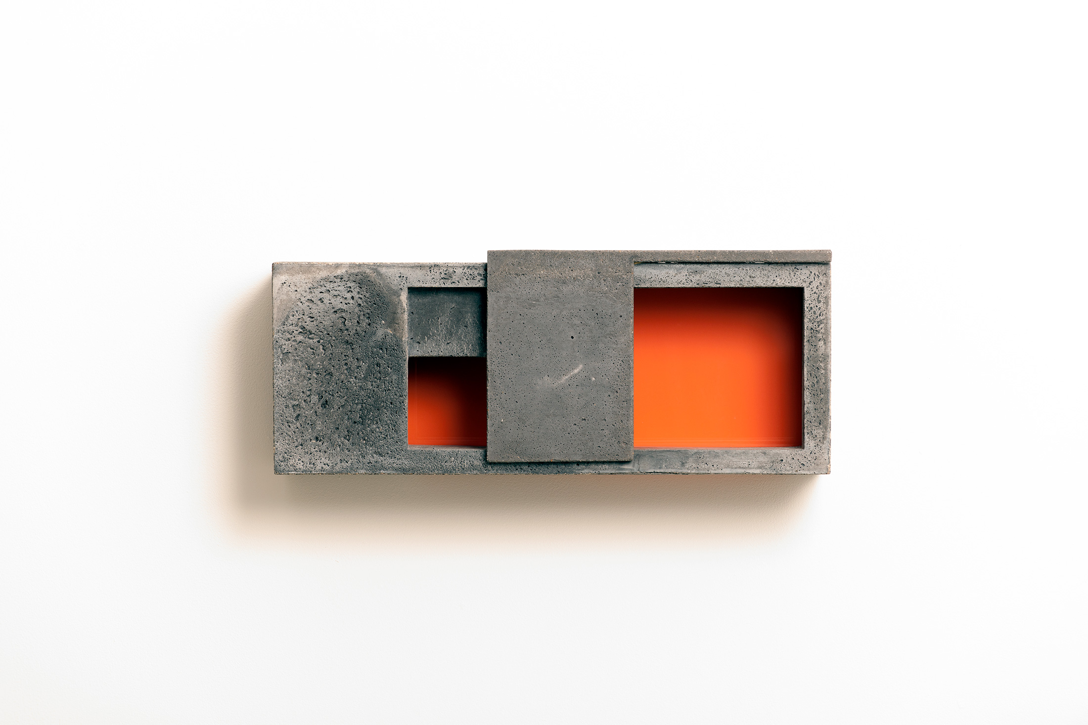 Box X/2 | 2017 | Beton,Acrylglas  | 48 x 20 x 16 cm