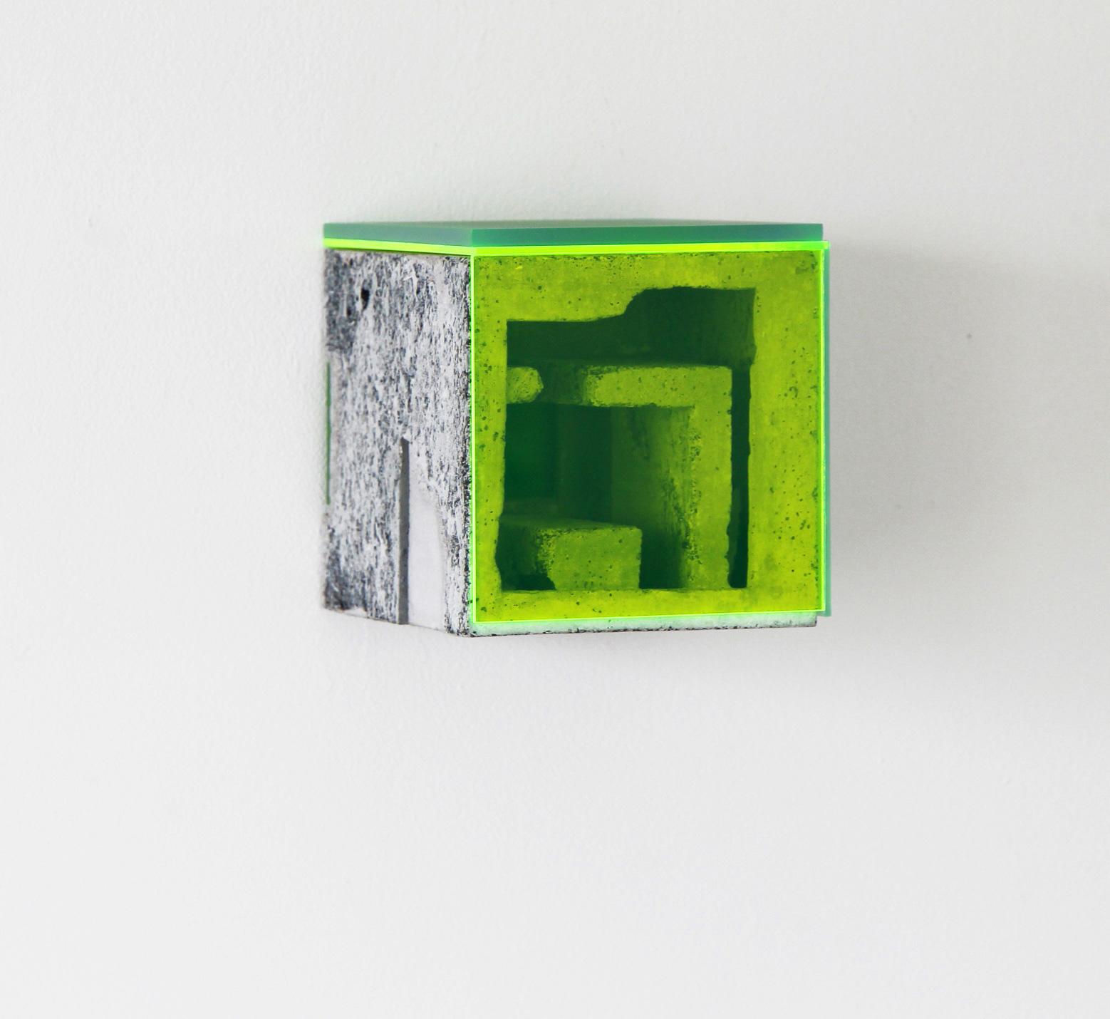 Box X/3 | 2017 | Beton, Acrylglas | 14 x 14 x 14 cm