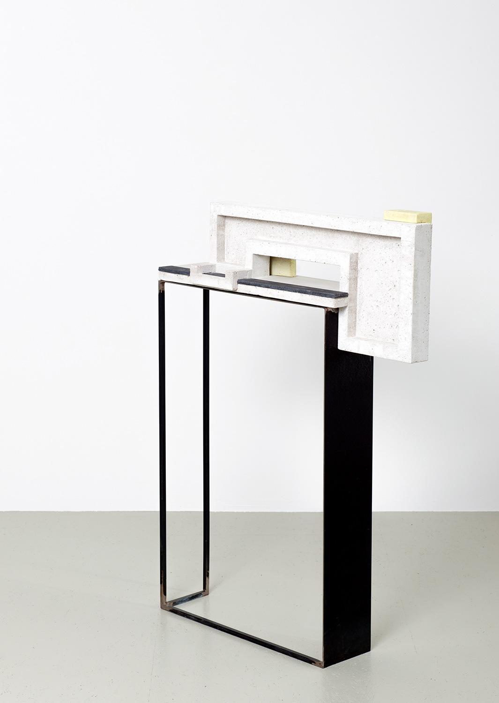 Espace|Surface 1 | 2016 | Steinzeug, Beton | 79 x 17 x 109 cm