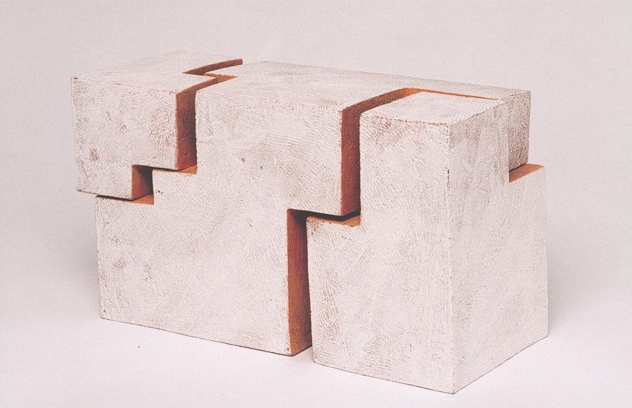Kubus X | 2002 | Steinzeug | 50 x 30 x 30 cm