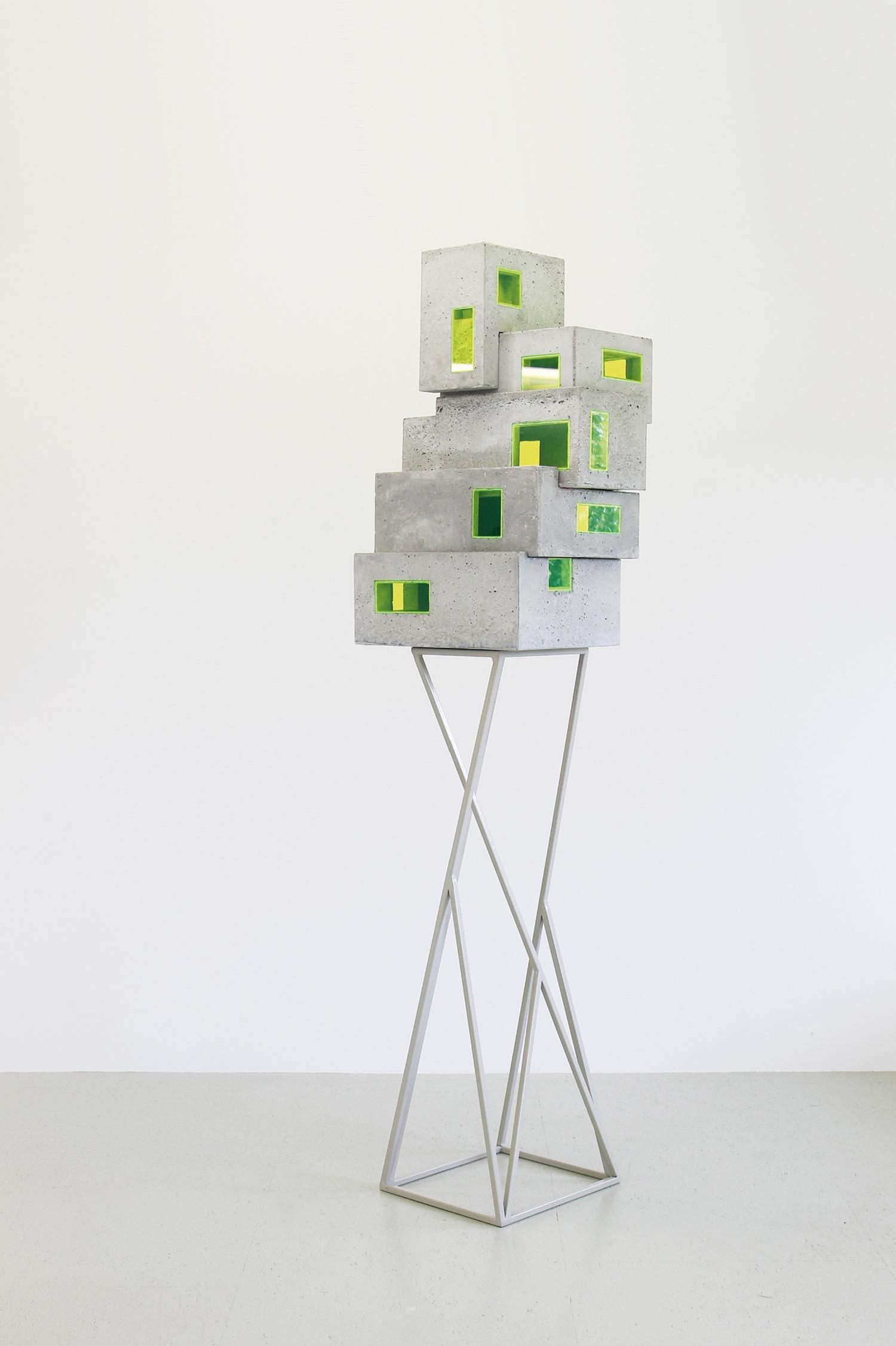 Z [stabiles Ungleichgewicht ] | 2019 | Beton, Acrylglas,Metall | 50 x 33 x 200 cm